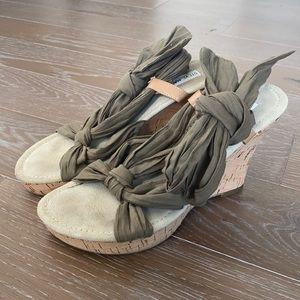 Steve Madden Boho Tie Wedge Sandal   9.5 M